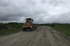 После обильных проливных дождей на автодороге В.Аул-Хасанья-Герпегеж-Кашхатау проведены работы по профилированию проезжей части с добавлением нового материла.