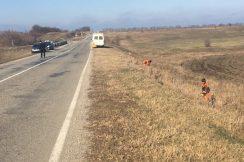 В Баксанском муниципальном районе КБР на автомобильных дорогах ведутся работы по уборке